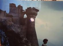 La rocca all'alba nel film Ladyhawke