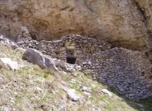 Grotta nel versante orientale della Majella