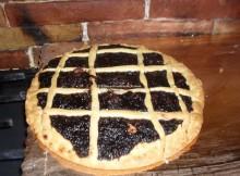 Crostata con marmellata d'uva - una merenda deliziosa