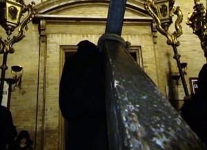 Venerdi Santo - Lanciano - processione degli incappucciati: Il rientro in Chiesa